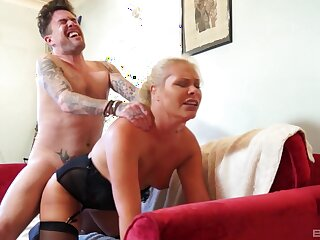 Young lad ass fucks auntie in a crazy lodging XXX
