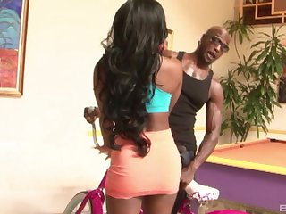 Round booty of an ebony babe Ericka gets pounded by a big black cock