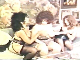 Three Retro Lesbian Milfs Lick Eachothers Pussy