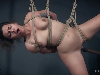 Minnow Monroe squirts while getting her pussy abused all tied up