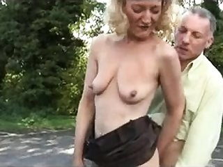 Amateur open-air blowjob
