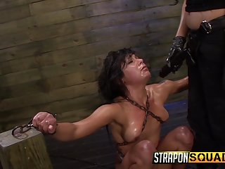 Submissive and tied chick Isa Mendez craves for her friend's sex toys
