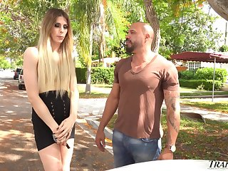 Picked to on the country managing transsexual trull Casey Kisses enjoys anal