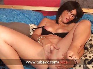 VISIT-X Geheime Aufnahme von Nerdy-Girl beim Masturbieren