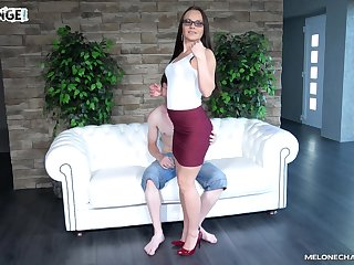 Professional porn actress Wendy Lieutenant fucks not professional dude