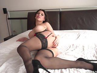 Aleska Nicole takes Manuel Ferrara's dick