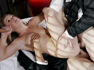 Nude blonde pain in the neck fucked in foolish scenes of threesome