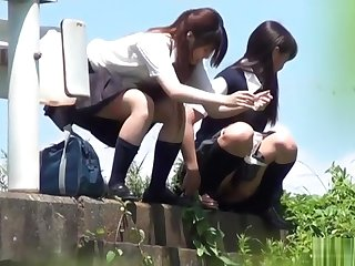 japanese schoolgirls - outdoor move one's bowels voyeur 2