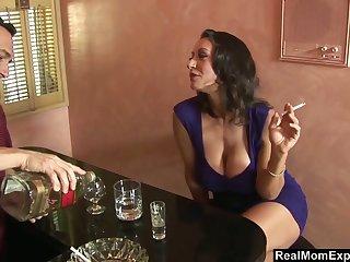 Curvy mature woman Persia Monir ends up having it away a bartender