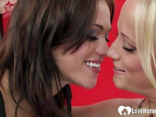 Tempting Lesbians Kiss Up ahead Hot Sex