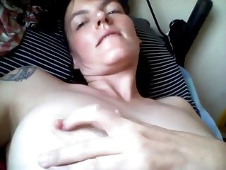 Piping hot milf masturbating together with sucking toes on webcam live