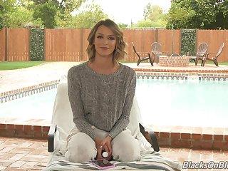 Slender adult models Emma Hix gives an interview