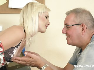 Slender pale natural mart chick Tyna Gold seduces older man to ride his cock